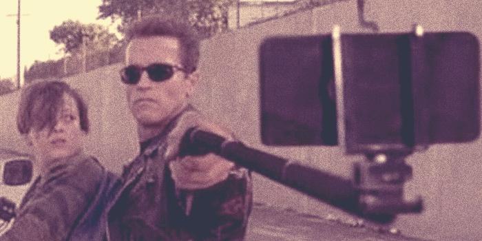 Голливудские забияки сменили оружие на селфи-стики