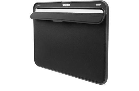 Папка Incase ICON Sleeve with Tensaerlite для MacBook Air 13″ (черный)